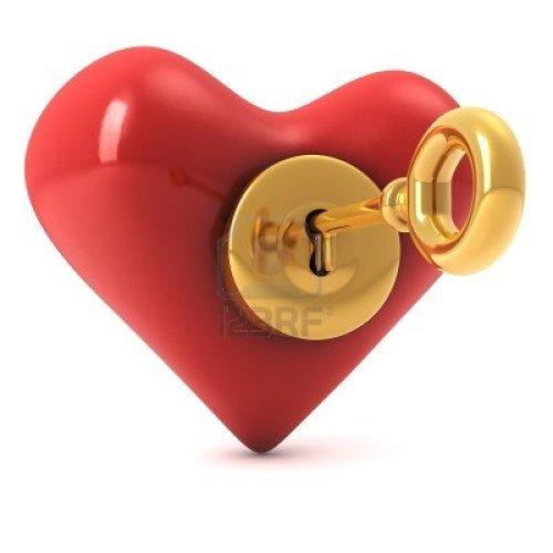 8840761-3d-computer-gegenereerde-afbeelding-van-een-lees-hart-met-een-gouden-slot-en-sleutel-in-geafa-soleer