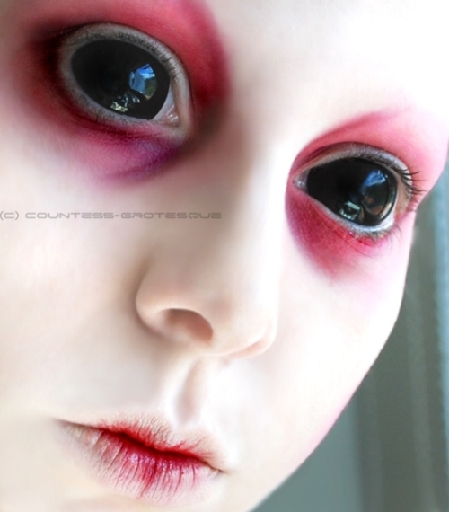 __lost_little_alien___by_Countess_Grotesque