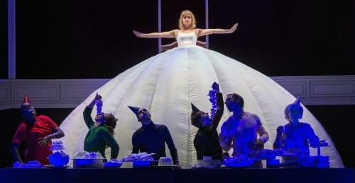 12_HEADER_Alice-in-Wonderland_Maas-theater-en-dans_©Phile-Deprez